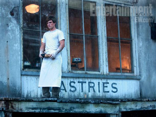 peeta_makes_some_bread.jpg